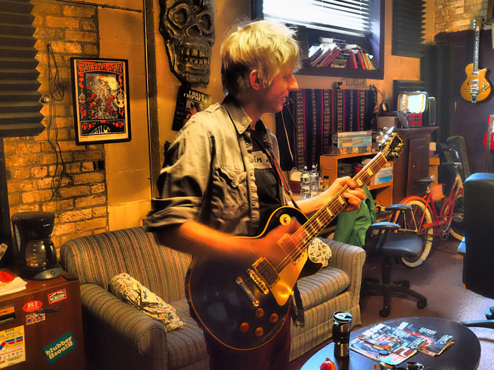 Playing Slim Dunlap's Les Paul at Silver Ant Studios